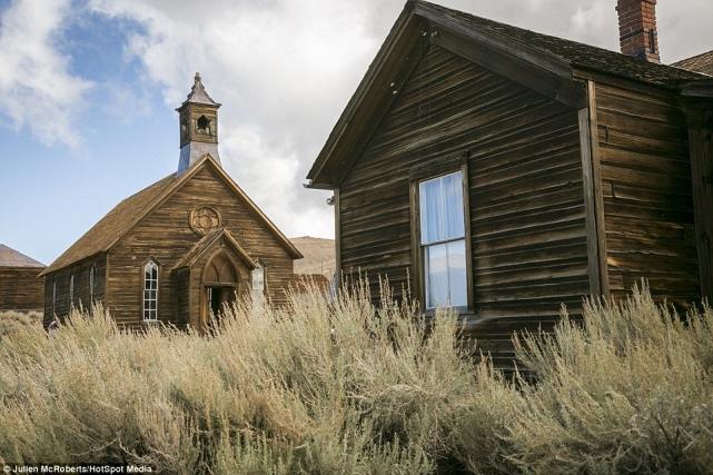 Церковь вБоди была построена в1882 году– вовремена его расцвета, когда вгороде жило от8до10тысяч человек