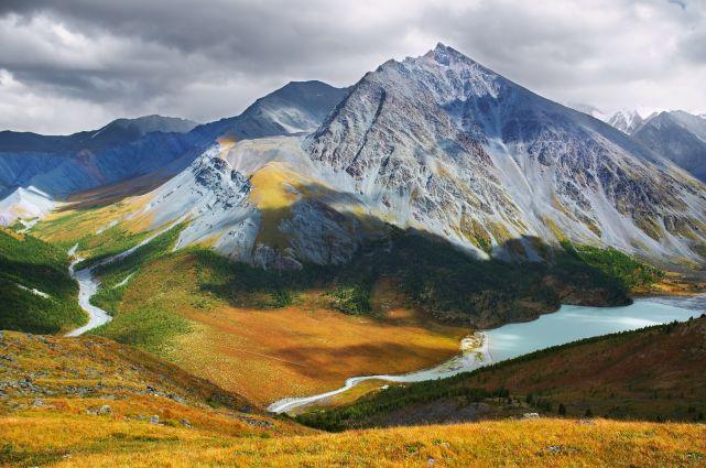 Золотые горы Алтая Всемирное наследие ЮНЕСКО Арриво labels